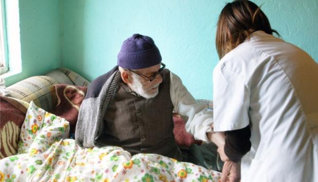 """Binlerce hasta """"evde sağlık hizmeti""""nden yararlanıyor"""