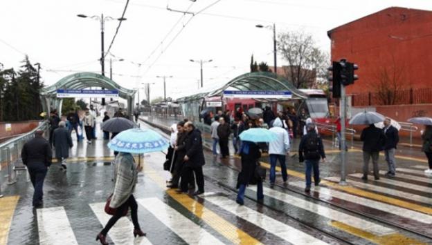 Türkiye'de elektrikler kesildi! Metrolar durdu...