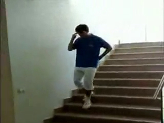 Merdivenden Enteresan İniş
