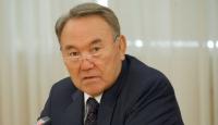 Kazakistan'da Yere Sakız Atan Yandı