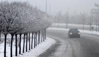 Ankara'da Yoğun Kar Yağışı Etkili Oluyor
