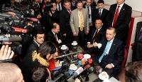 Başbakan Gazetecilere Sürpriz Yaptı