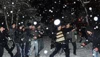 Kar Topu İçin Facebook'ta Örgütlendiler