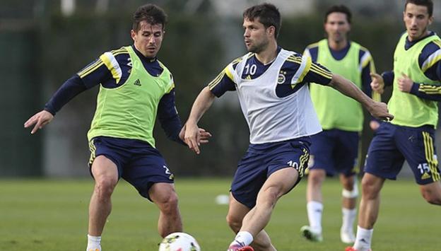 Fenerbahçe'de 2 futbolcu sakatlandı