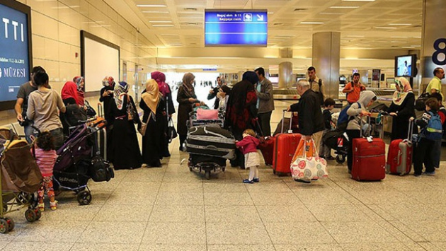 Tahliye edilen Türk vatandaşları İstanbul'da