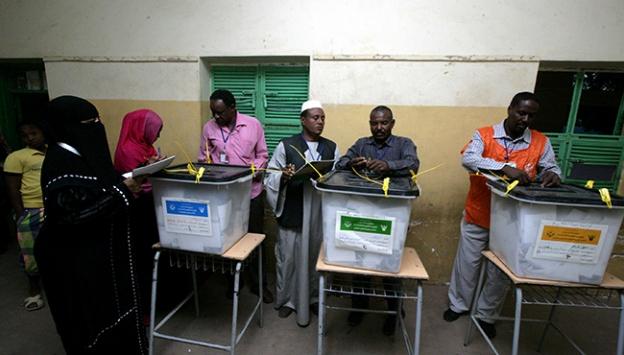 Sudanda oy kullanma süresi uzatıldı