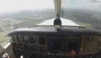 Kuş uçağın camını kırdı!
