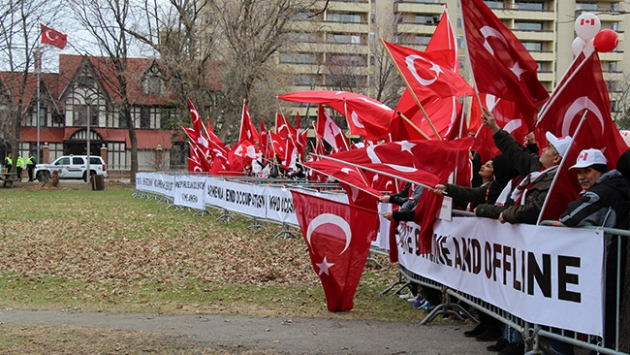 Kanadada yaşayan Türklerden Ermenilere karşı miting