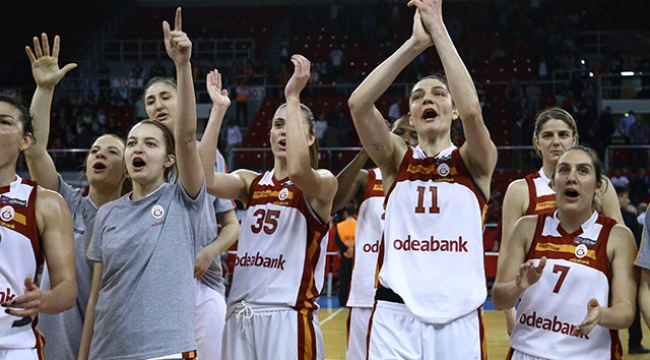 Galatasaray şampiyonluk peşinde