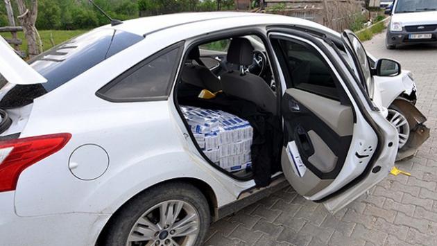 Kaza yapan araçtan kaçak sigara çıktı