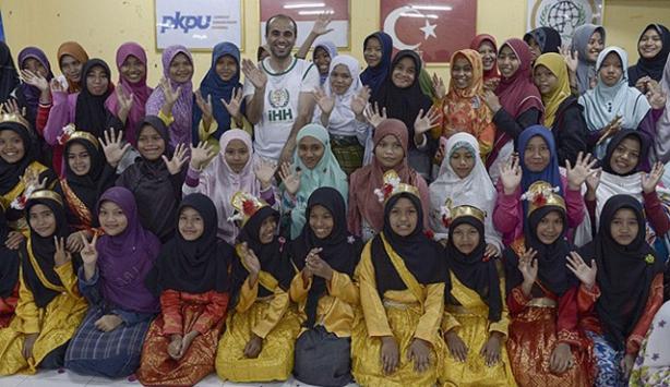 İHH Açeli kız çocuklar için yetimhane kurdu