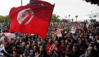 Tunuslular Devrimi Sorguluyor