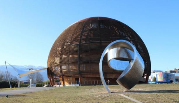 Büyük Hadron Çarpıştırıcısı atom çarpıştırmaya başladı