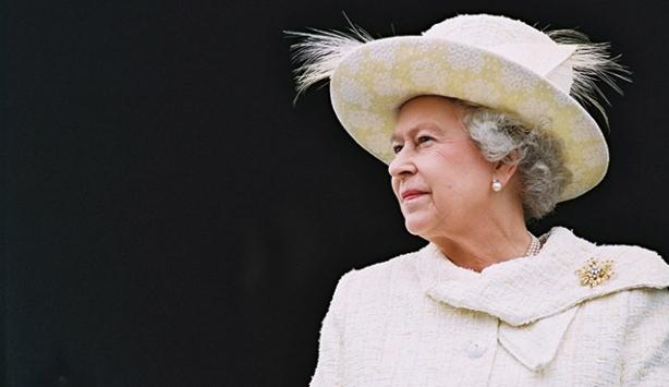 İngiltere tarihinin en uzun süre tahtta kalan hükümdarı