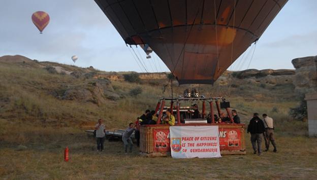 Balonlar Jandarma için havalandı