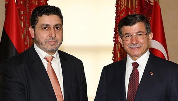 Başbakan Davutoğlu, Halife El-Gaviyle bir araya geldi