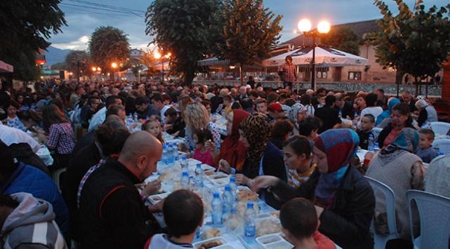 'Bereket Konvoyu' Kosova'da