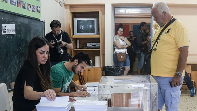 Yunanistanda Hayır oyları önde