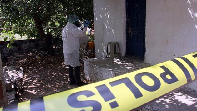 Fethiyede bir evde çürümüş erkek cesedi bulundu