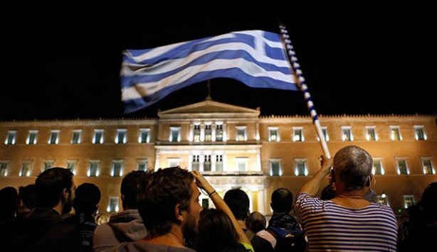 Yunanistanda gösterilere sınırlama geliyor