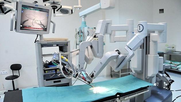Robotik cerrahi yöntemi ile böbrek naklinde yüzde yüz başarı