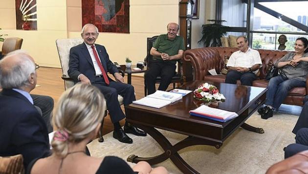 Kemal Kılıçdaroğlu İHD heyetini kabul etti
