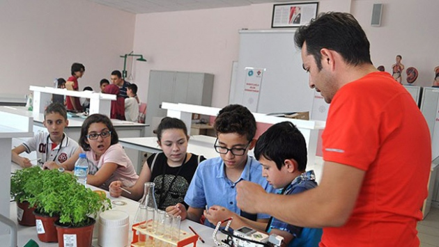 'Bilim merkezleri Türkiye'nin 2023 hedeflerine katkı sağlayacak'
