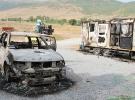 Bitlis'te teröristler 3 araç ve 3 konteyner yaktı