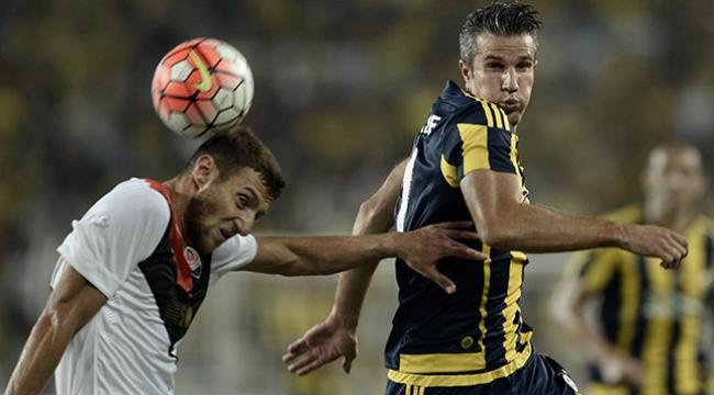 Van Persie: Fenerbahçede çok mutluyum