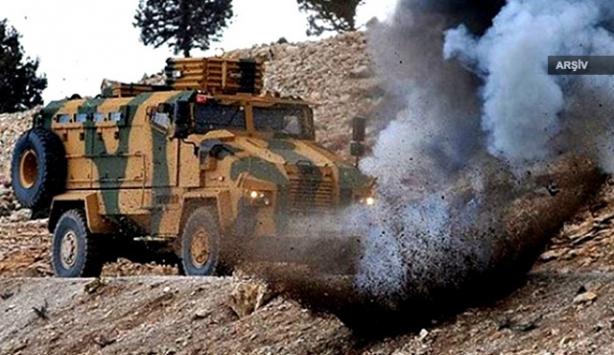 Vanda askeri araca bombalı saldırı
