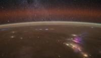 Dünya Uzaydan Göz Kamaştırıyor
