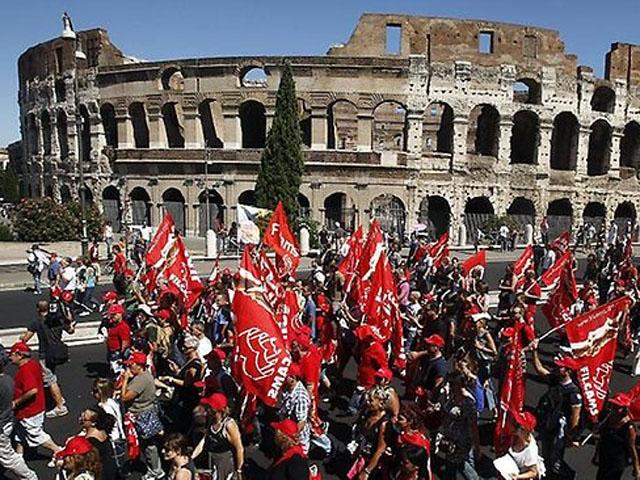 İtalyada Kemer Fazla Sıktı