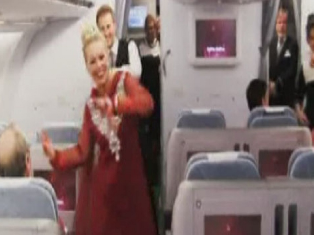 Uçakta  Dans Sürprizi