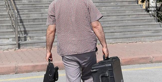 Havaalanında 3 iş adamının eşyalarına el konuldu