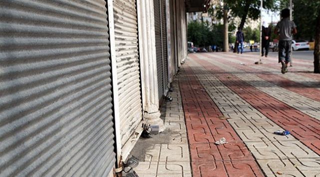 Terör saldırıları yüzlerce esnafa 'kepenk' kapattırdı