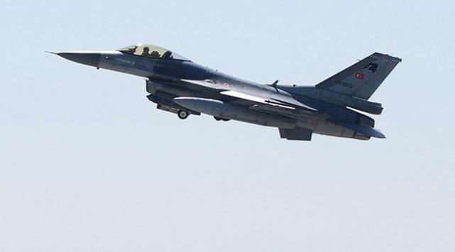 Devriye uçuşundaki jete Suriye'den 'taciz'