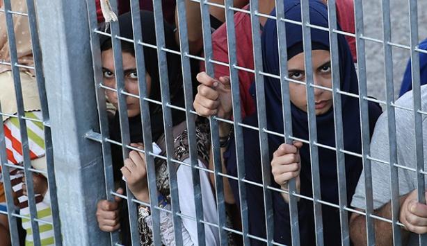 Midillideki göçmenlerin çilesi sürüyor