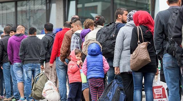 3 bin sığınmacı Almanyaya vardı