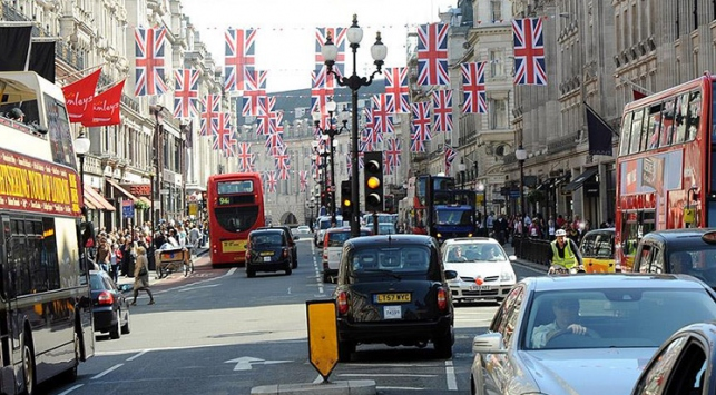 İngilterede Müslüman öğrenci terörist olmakla suçlandı