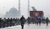 İstanbul Yoğun Kar Yağışı Altında