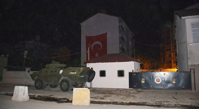 Bitliste polis lojmanlarına saldırı