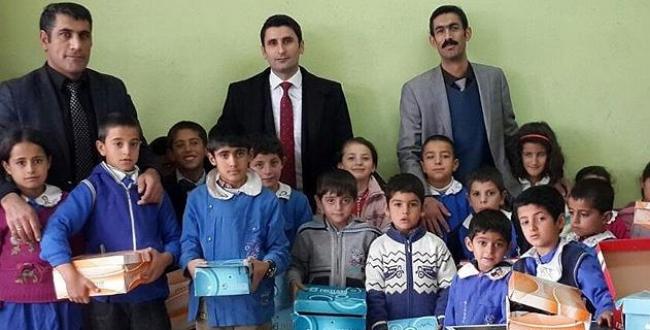 Ağrıda köy okulları için sosyal kampanya