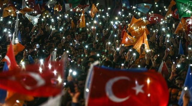 Dünyadan 1 Kasım seçim tebrikleri