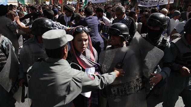 Afganistanda istifa yürüyüşü