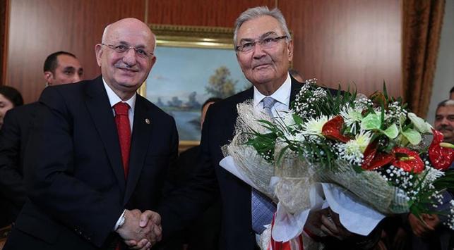 TBMM Geçici Başkanı Baykal görevini Kahramana devretti