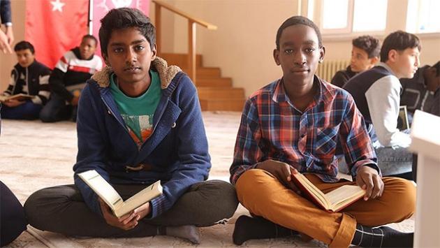 49 ülkeden gelen öğrenciler Konyada hafızlık eğitimi alıyor