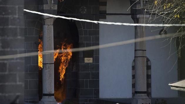 Surdaki tarihi camiye terör saldırısını kınadılar