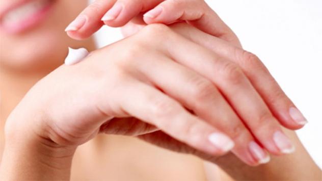 Kışın nemlendirici kullanımı deri hastalıklarından koruyor
