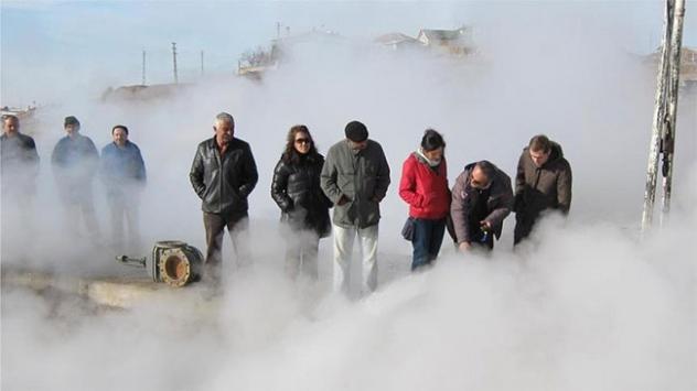 Zengin jeotermal kaynak suyu yatırımcı bekliyor