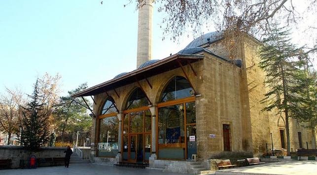 Tarihi Aktekke Camii ziyaretçilerini bekliyor